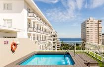 protea-hotel-sea-point-swimming-pool-590x390